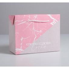 Пакет—коробка LOVE